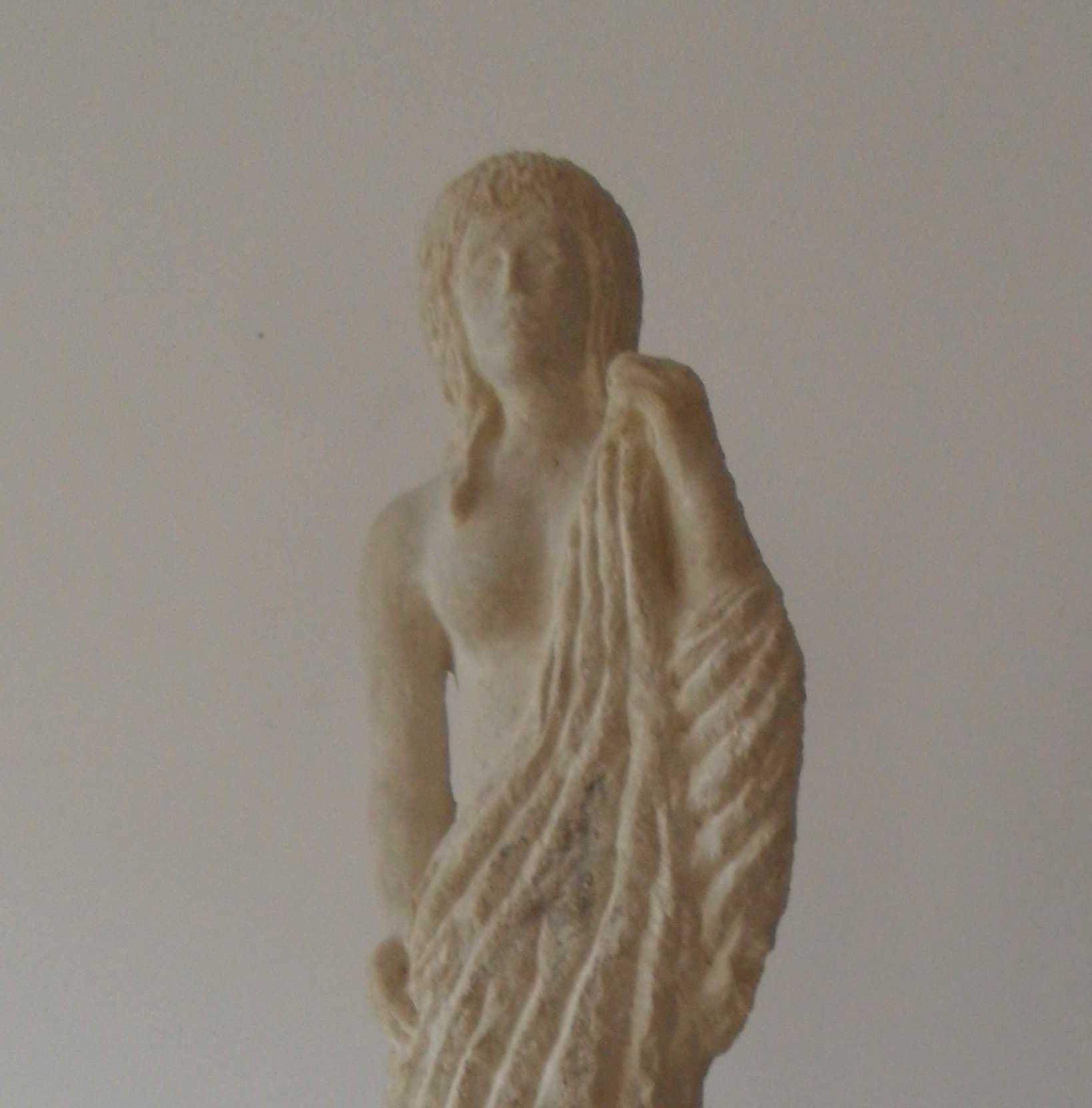 Frau mit Tuch III
